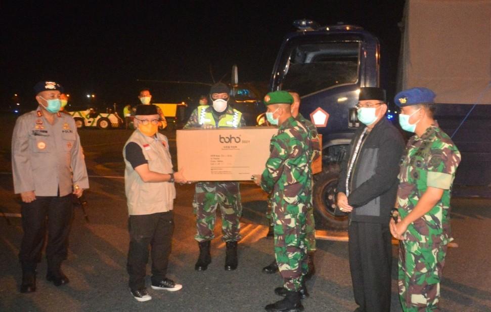 TNI AU Distribusikan APD untuk Kalsel Hadapi Korona