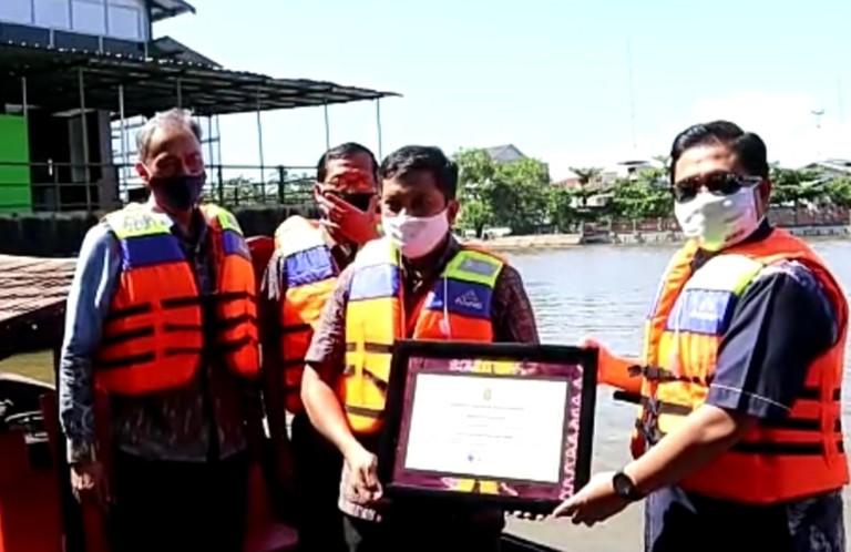 Dongkrak Wisata, PLN Peduli Bantu Perahu Tambangan