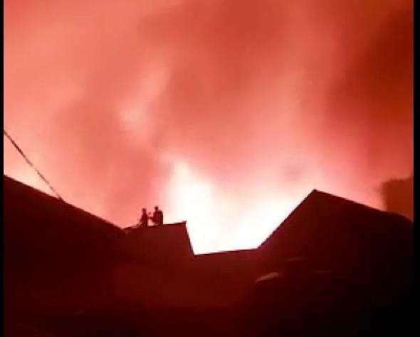 Kotabaru Tengah Diamuk Api, 150 Rumah Ludes