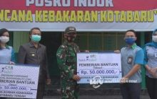 Bank Kalsel Bantu Korban Kebakaran Kotabaru Rp 100 Juta