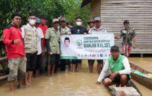 Yayasan H Maming Distribusikan Obat dan Sembako ke Korban Banjir