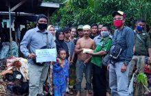 Berbagi ke Korban Banjir HST, Pekerja PT SAM Donasikan Gaji