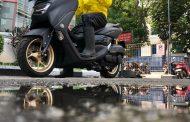 Tips Berkendara Sepeda Motor Saat Hujan