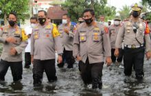Kapolda Bantu Korban Banjir Bina Brata