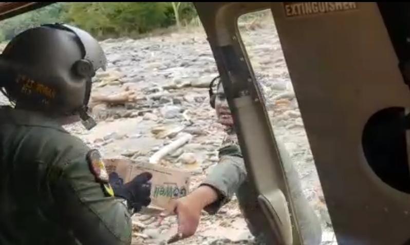 Gunakan Heli TNI AD, Danrem Antasari Kirim Bantuan ke Datar Ajab
