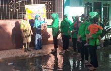 Prajurit dan Persit Kompi C Bantu Korban Banjir