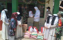 TNI-Polri Kawal Distribusi Bantuan Presidenuntuk Korban Banjir HST