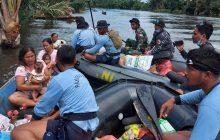 Tim Satgas SAR TNI AL Sasar Korban Banjir TerisolirBatola