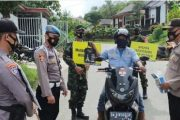 TNI-Polri Hatungun Hadiahi Bingkisan Warga Disiplin Prokes
