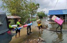 Pengungsi Banjir Raya Belanti Kembali ke Rumah