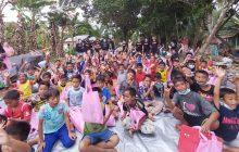 Baguna dan Anggota Dewan Hibur AnakKorban Banjir Barabai
