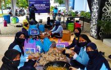 Dapur Umum PIA Ardhya Garini Berbagi untuk Korban Banjir