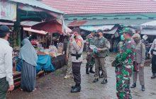 Pilar Tapin Disiplinkan Prokes di Pasar Baru Kraton