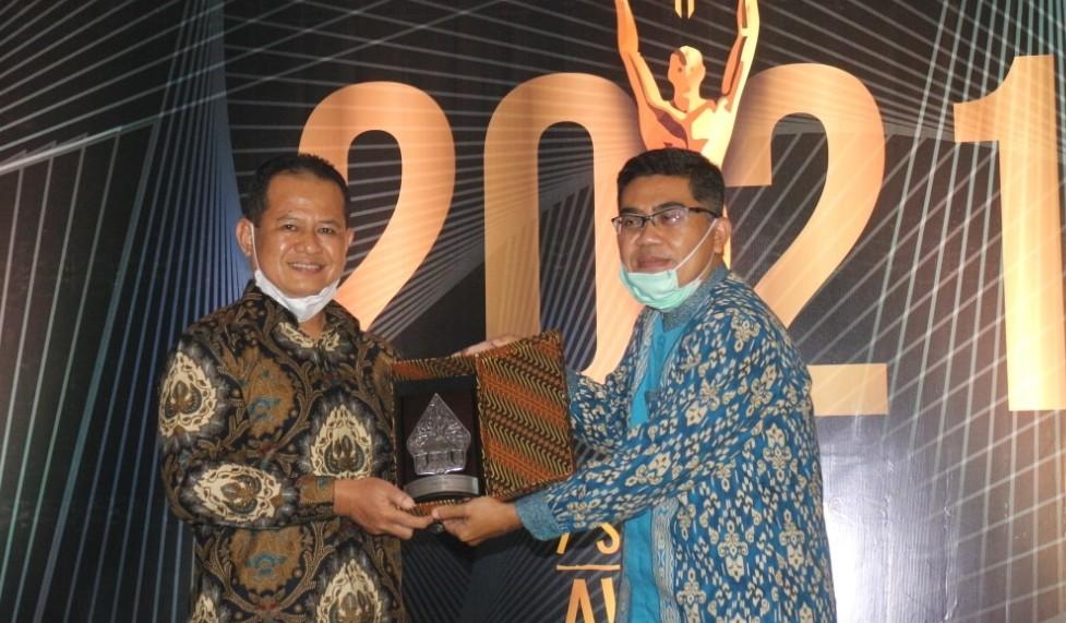 Bank Kalsel Terima Anugerah di 7Sky Media Award 2021