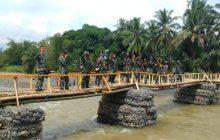 TNI Rampungkan Jembatan Darurat Baru Waki-Batu Tunggal