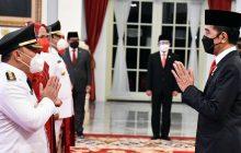 Jokowi Lantik Gubernur dan Wakil Gubernur Kalteng
