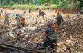 TNI-Pori dan Warga Bersihkan Sungai Barabai