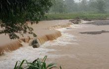 Warga Bantaran Sungai di HST Diminta Waspada