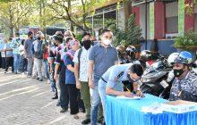 TNI AL Banjarmasin Sasar Masyarakat Maritim dengan Serbuan Vaksin