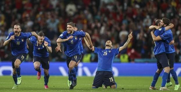 Italia Jadi Raja Sepakbola Eropa