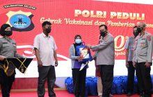 Alumni Akpol 91 Gelar Vaksinasi dan Sebar Bansos