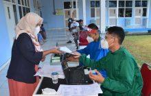Layanan Vaksin RS TNI AU Disambut Warga