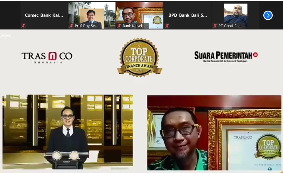 Bank Kalsel Raih Corporate Finance Award 2021