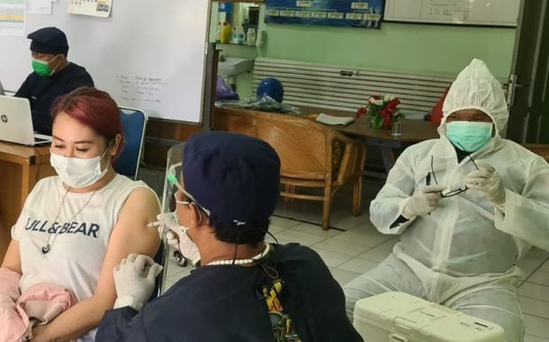 Ayo Vaksinasi & Disiplin Prokes, Covid RI Masih Nambah