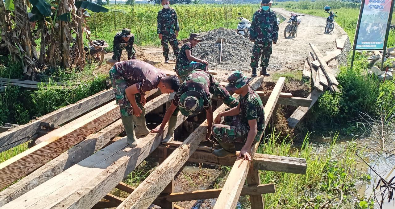 Jembatan Akses ke Pertanian Digarap TMMD 112