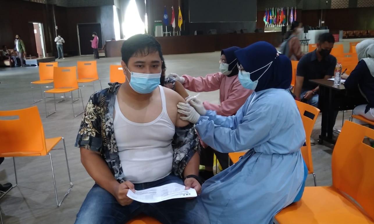 OJK Gandeng SRO Gelar Vaksinasi di Banjarbaru
